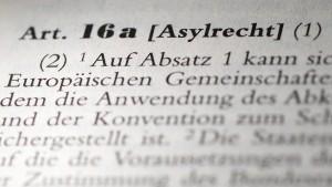 Die ewige Diskussion um Artikel 16a