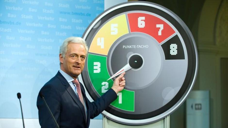 Ramsauer verteidigt seine Reform