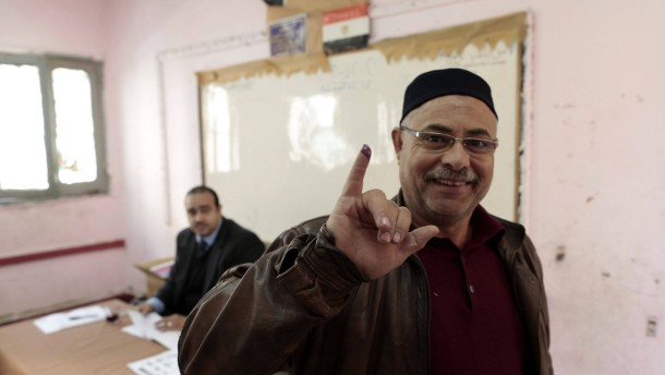 Egyptians vote in final round of constitution poll