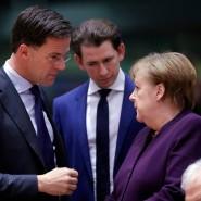 Stehen wieder vor harten Verhandlungen: Der Premierminister der Niederlande Mark Rutte und Bundeskanzlerin Angela Merkel (im Hintergrund hört Österreichs Kanzler Sebastian Kurz zu)