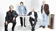 Das Wiener Heimorgelorchester, bestehend aus Jürgen Plank, Thomas Pfeffer, Daniel Wisser und Florian Wisser (von links).