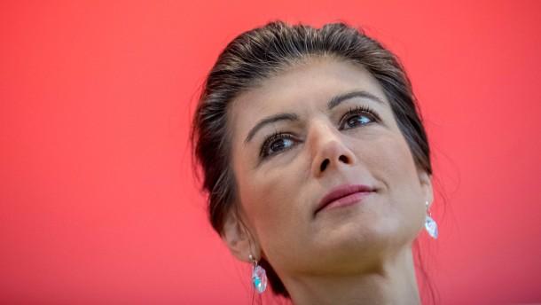 """Wie die """"Aufstehen""""-Basis auf den Rücktritt Wagenknechts reagiert"""