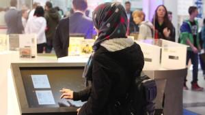 Arbeitgeber können Tragen eines Kopftuchs verbieten