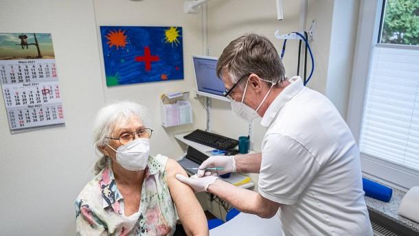 Ärzte warnen vor Stopp der Biontech-Erstimpfungen in Praxen
