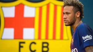 Neymars Zeichen stehen auf Verbleib