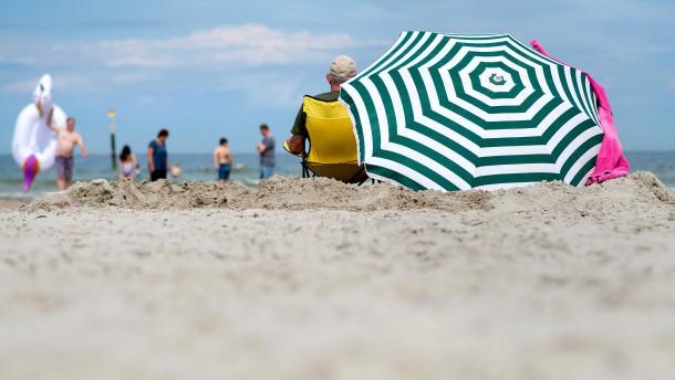 Fast die Hälfte der Beschäftigten erhält Urlaubsgeld