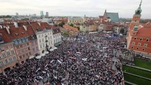 Zehntausende demonstrieren gegen die Regierung