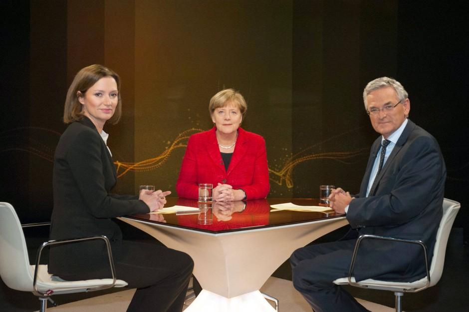 Merkel saß den ZDF-Journalisten Bettina Schausten und Peter Frey gegenüber.