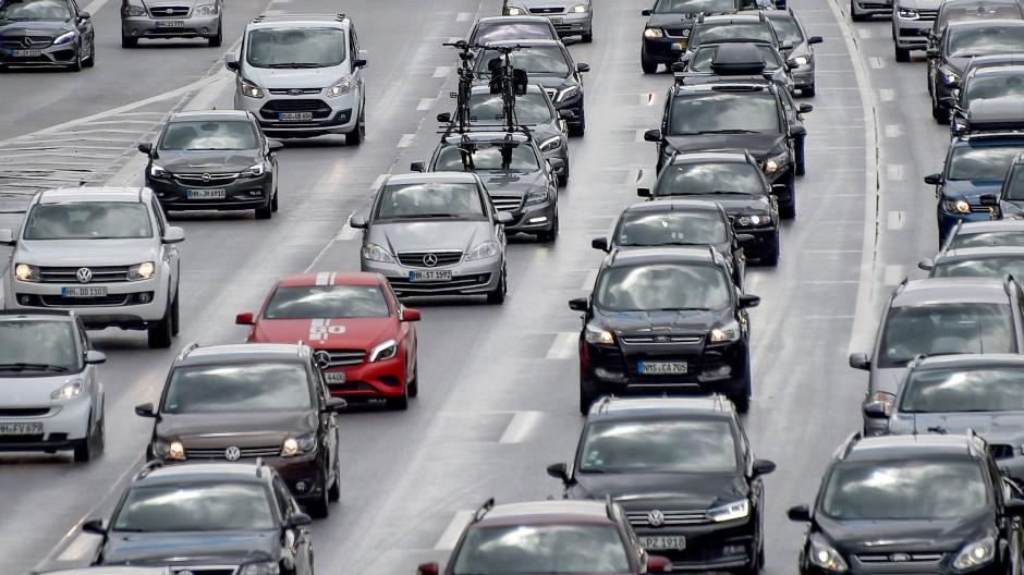Zäher Verkehr ist ansteckend – oder lässt sich zumindest mithilfe eines epidemiologischen Modells beschreiben.