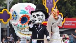Parade der Toten ehrt Erdbeben-Retter