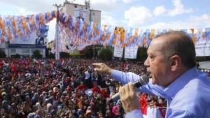 Erdogan-Anhänger bedrohen französisches Magazin