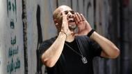 Der ägyptische Rapper Mohammed El Deeb beim Drehen eines Musikvideos in Kairo im Juni dieses Jahres.