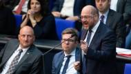 Mit viel Applaus für seine leidenschaftliche Kritik an der AfD gefeiert: Martin Schulz (SPD)