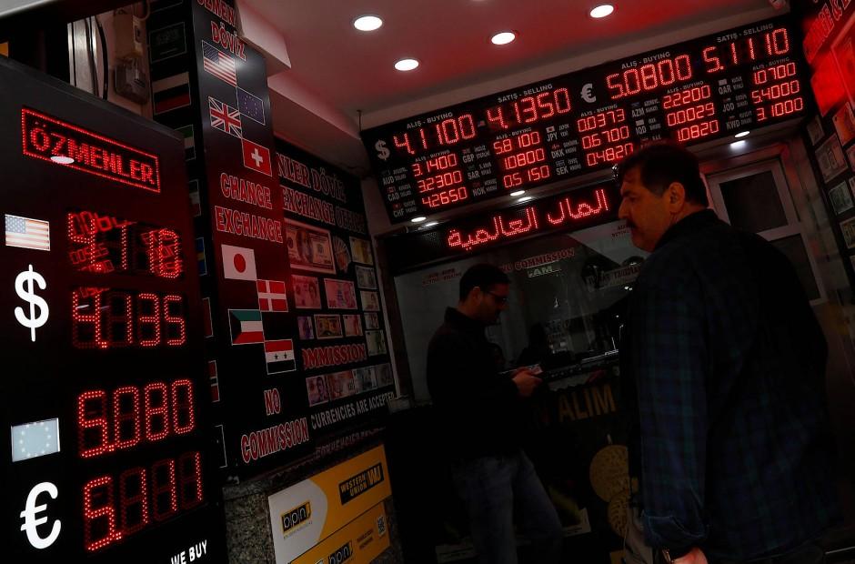 Bild Zu Rekordtief Die Türkische Lira Taumelt Immer Weiter Bild