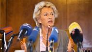 Petra Roth legt ihr Amt vorzeitig nieder.