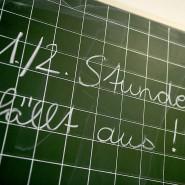 Der Lehrermangel und die Folgen: Nichts fürchten Eltern mehr als plötzlichen Stundenausfall.