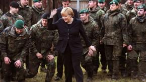 Bundeskanzlerin Merkel und der niedersächsische Ministerpräsident McAllister in Munster