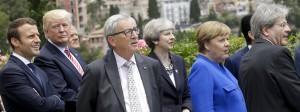 Angela Merkel während des G-7-Gipfels mit anderen Regierungschefs und Staatsoberhäuptern