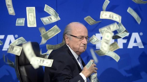 Mehr als drei Millionen Euro für Joseph Blatter
