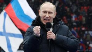 Zehntausende demonstrieren für Putin in Moskau