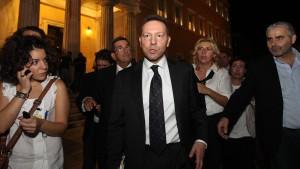 Und täglich... verlässt Finanzminister Stournaras das Amt des Ministerpräsidenten.