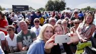 Fünf Selfies die Minute: Helle Thorning-Schmidt auf Bornholm