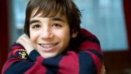 Überflüssig oder notwendiges Übel? Der Bundesrechnungshof hat Zweifel an der Behandlung mit Zahnspangen.