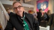Kleine Zielgruppe: Mit seiner sehr auf regionale Kunst spezialisierten Galerie versorgt Rolf Weber-Schmidt eine Minderheit. Auch der Internethandel macht ihm zu schaffen.