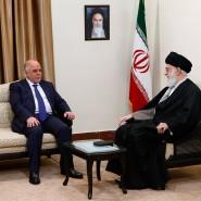 Iraks Ministerpräsident Haider al Abadi beim Treffen mit Irans geistlichem Führer, Ayatollah Ali Chamenei in Teheran: Klares Signal an Washington