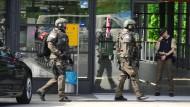 Lebensgefährlich verletzte Polizistin schoss auf Angreifer