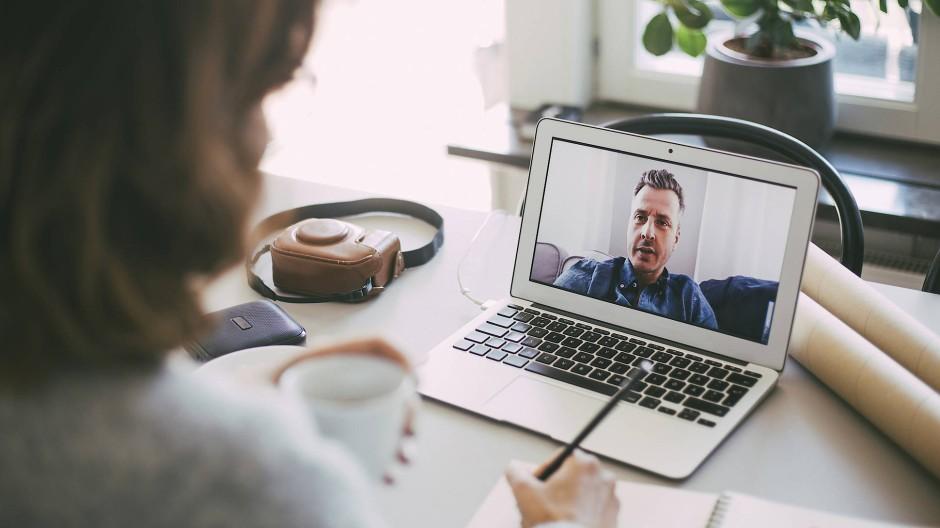 Viele Unternehmen setzen während der Pandemie auf digitale Bewerbungsgespräche.