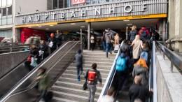 Paar unterschlägt Gebühren auf Münchener Bahnhofstoilette