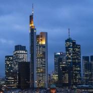 Begehrte Lagen: Der Blick auf Frankfurt und die Commerzbank-Zentrale.