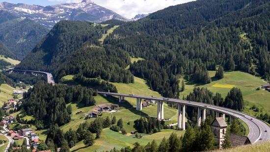 Österreichs Straßen bislang weitestgehend frei
