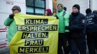 Greenpeace-Proteste vor SPD-Parteizentrale