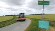 Für ein gelbes Ortsschild hat es nicht gereicht. Norderfriedrichskoog hat nur 54 Einwohner.