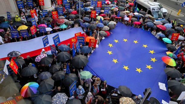 Polen muss sich vor EU-Nachbarn rechtfertigen