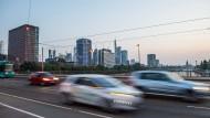 Aus Frankfurt wurden alte Diesel schon verbannt – andere hessische Städte könnten folgen.
