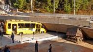 Brücke in WM-Stadt eingestürzt