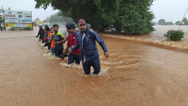 Erdrutsche und Überschwemmungen in Indien