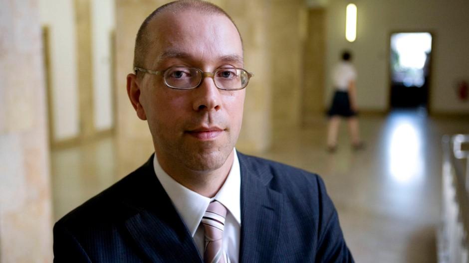 """Jörg Ausmussen erklärt zu Griechenland: """"Wenn dem so ist, muss man zum Äußerten greifen, um die Schuldentragfähigkeit wiederherzustellen"""""""