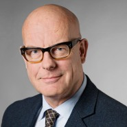 """Jochen Buchsteiner - Portraitaufnahme für das Blaue Buch """"Die Redaktion stellt sich vor"""" der Frankfurter Allgemeinen Zeitung"""