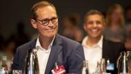 Schwerer Dämpfer: Der Regierende Berliner Bürgermeister Michael Müller wurde auf dem Parteitag mit nur 64,9 Prozent als Landesvorsitzender bestätigt