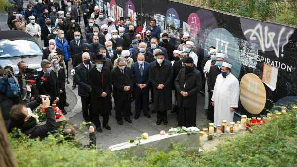 Mehr als 60 Razzien bei Islamisten in Österreich
