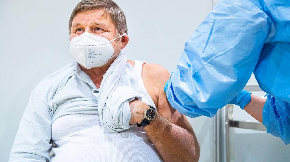 Bisher wurden in Deutschland vor allem Ältere geimpft.