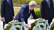 John Kerry besucht Mahnmal in Hiroshima