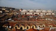 Hausherr: Mustafa Demir, der Bürgermeister des Istanbuler Stadtteils Fatih, auf den Dächern des großen Basars
