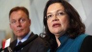 Andrea Nahles und Thomas Oppermann, kurz nachdem sie zu seiner Nachfolgerin gewählt wurde. Oppermann schielt jetzt auf das Amt des Bundestags-Vizepräsidenten – nur ist er da nicht der einzige.