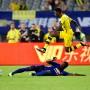 Die Borussia obenauf: Der Auftritt beim 4:1 gegen Manchester United – hier BVB Neuzugang Ousmane Dembele gegen Eric Bailly – fand große Beachtung in China.