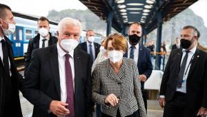 Steinmeiers Kranz für die Widerstandskämpfer